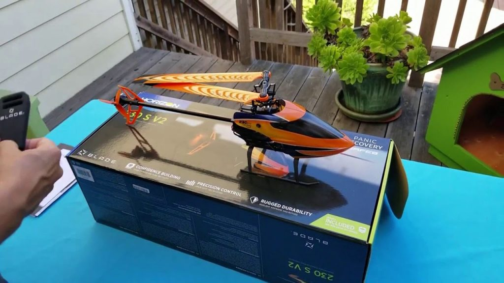 Blade  230 S V2 RTF RS Helicopter  out of the box.